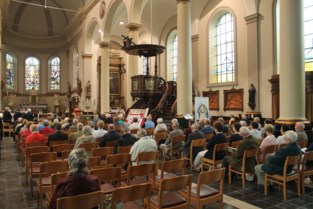 Naar de kerk in het nieuwe normaal: stewards, geen gezangen meer en alcoholgel in plaats van wijwater