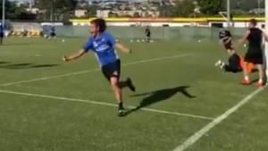 Alsof hij nog steeds aast op de titel van topscorer: Pippo Inzaghi (46) viert goal zoals alleen hij dat kan