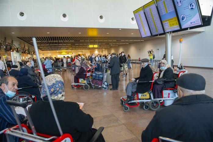 """Onze man ging kijken hoe de heropstart van Brussels Airport verliep: """"Grote leegtes, maar op één plek is het een drukte vanjewelste"""""""