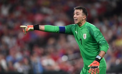 Galatasaray-doelman Fernando Muslera loopt zware beenblessure op