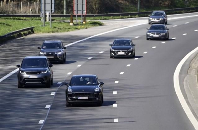 Duwtje in de rug voor werkgevers: Europa's grootste leasebedrijf brengt tweedehands bedrijfswagens op de baan