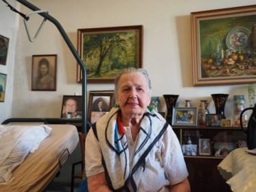 """Kwieke Vera (104) laat zich nog altijd graag dienen: """"Spijtig dat de mensen zo weinig tijd hebben voor elkaar"""""""