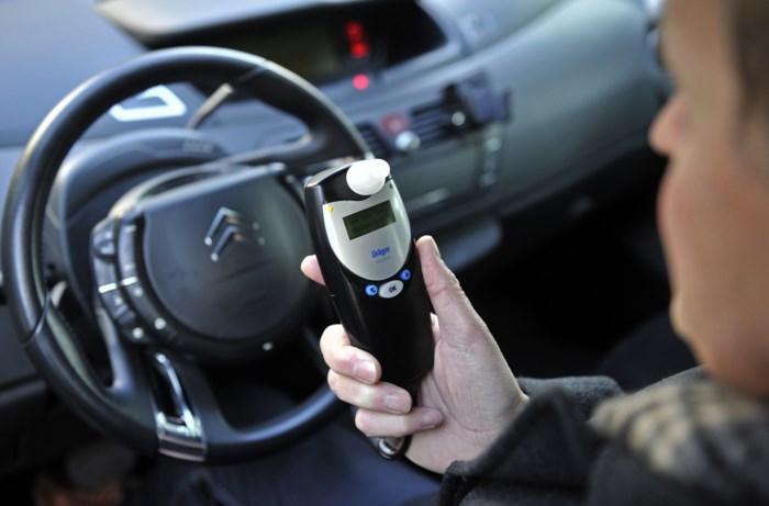 Twee ongevallen onder invloed leveren vrouw alcoholslot op