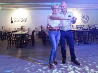 """Dancing Olé Olé was amper tien maanden open toen corona toesloeg: """"Klanten missen elkaar enorm"""""""