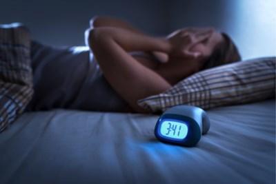 Als slapen een probleem is: kun je je slaaptekort inhalen, hoe vermijd je nachtmerries en wat als je partner snurkt?