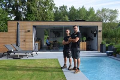 Maxim en Jurgen ruilen je werkplek in living of bureau in voor een op maat gemaakt tuinkantoor