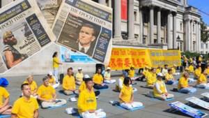 Waarom er plots een krantje met anti-Chinese propaganda in uw bus zit