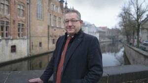 """Collega-politici reageren geschrokken op neergestoken burgemeester De fauw: """"We zijn blij dat zijn toestand onder controle is"""""""