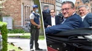 """Burgemeester Dirk De fauw spreekt vanop zijn ziekbed: """"Zwaar ontgoocheld in iemand die ik al vijftien jaar help. En wiens leven ik ooit heb gered"""""""