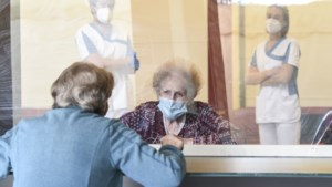 """""""We hebben ouderen als kleuters behandeld"""": professor Wim Distelmans over corona en euthanasie"""