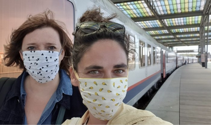 """Lidewij Nuitten zag hoe corona ons land veranderde tijdens de langste treinreis van België: """"De sfeer was bevreemdend"""""""