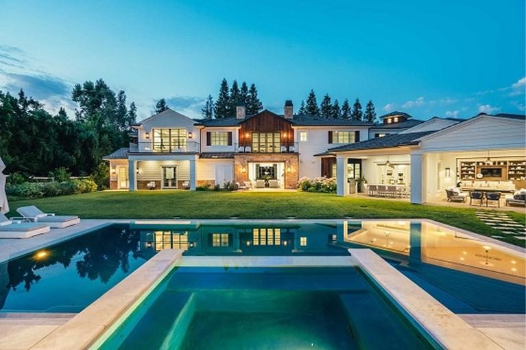 Binnenkijken in de villa van 20 miljoen euro die The Weeknd verkoopt