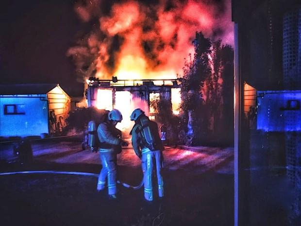 Uitslaande brand vernielt chalet op camping