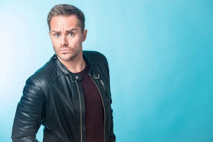"""Peter Van de Veire ziet Eurovisiesongfestival aan zijn neus voorbij gaan: """"De roze wolk zal ik missen, de kakkerlakken niet"""""""