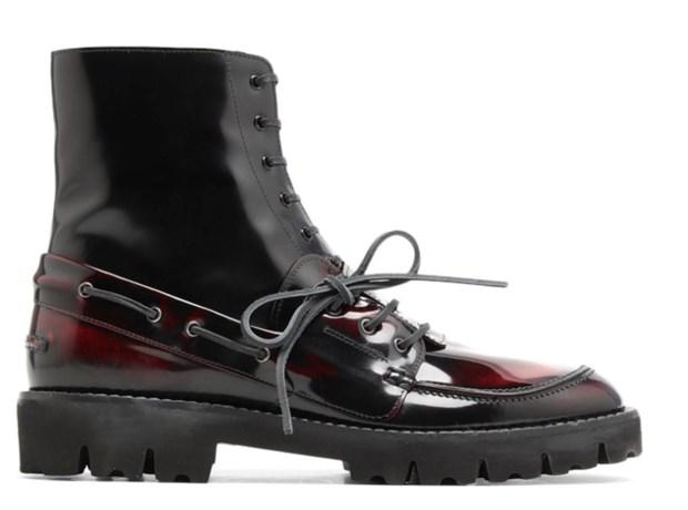 Maison Margiela combineert twee schoenen in één