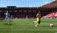 Southampton plaatst 'appreciation tweet' voor doelman… en heeft daar één minuut later al heel veel spijt van