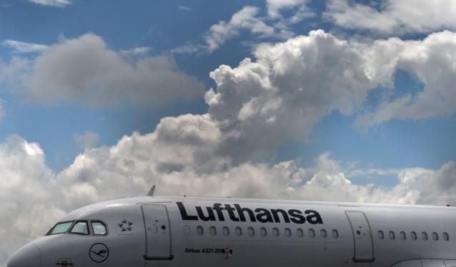 Directie Lufthansa heeft akkoord met vakbond cabinepersoneel over besparingen