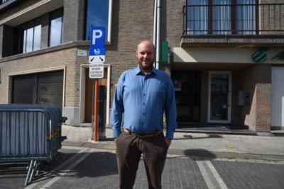 Drie extra laadpalen voor iedereen en een elektrische wagen voor het gemeentepersoneel