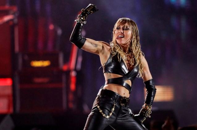 """Miley Cyrus: """"Van de drank en drugs blijven, was een uitdaging"""""""