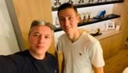 """Buitenspel met Hans Vanaken: """"In de kleedkamer van Zulte Waregem hing een paninisticker van mij"""""""