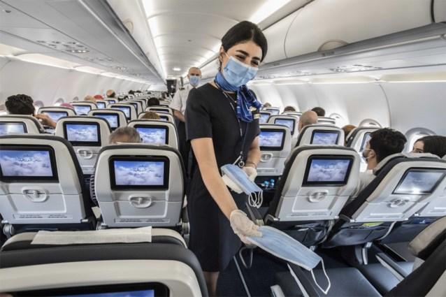 """Expert in ventilatie: """"Ik zou niet vliegen. Mondmaskers zijn niet genoeg"""""""