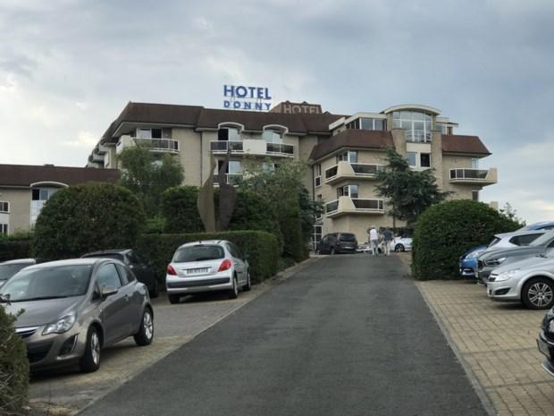 Jongedame betaalt hotelovernachting niet en neemt kamerspullen mee: vier maanden cel