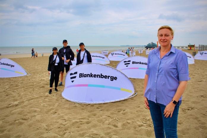Strandplan in Blankenberge van start: plaats voor 600 'bubbels', meer dan 100 jobstudenten controleren en begeleiden