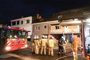 """Drie appartementen onbewoonbaar na vermoedelijke brandstichting: """"Een van onze buren heeft geluk gehad"""""""