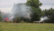 Hevige rookontwikkeling nadat houtvoorraad vuur had gevat in schuur