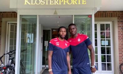 Mbokani en aanwinst Boya gearriveerd op stage