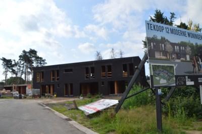 """Oppositie klaagt projecten betaalbaar wonen aan: """"400.000 euro, is dat betaalbaar wonen?"""""""