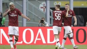 AC Milan klopt AS Roma en blijft meedoen voor Europese tickets, Saelemaekers mag invallen