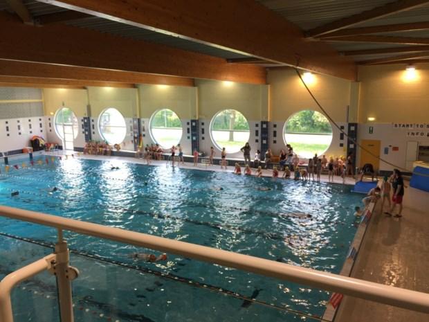 Zwembad heropent met veertig zwemmers per keer