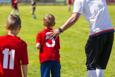 """Jonge sporters voelen zich vaak vernederd en bedreigd: """"Sommigen bereiken net meer door die extra duwtjes"""""""