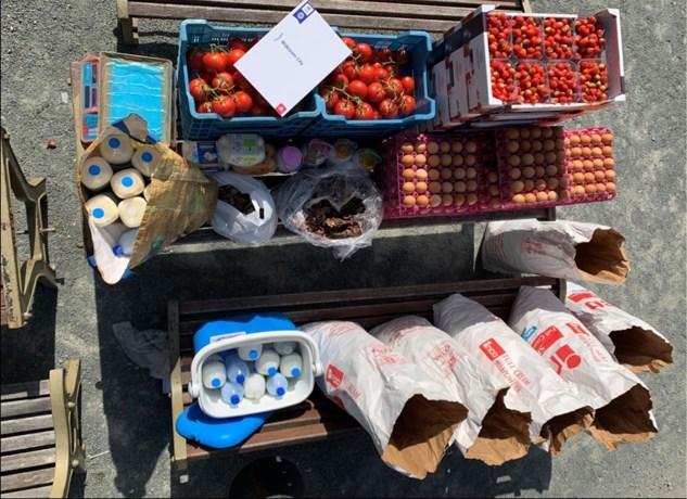 Politie schenkt in beslag genomen groenten en fruit aan voedselbedeling