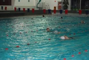 Zwembad zal dan toch op tijd kunnen openen, maar alleen wie reserveert, mag komen zwemmen