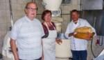 """Laatste bakkerij sluit de deuren en zo telt dit dorp geen enkele winkel meer: """"90 uur werken per week, dat houden we niet langer vol"""""""