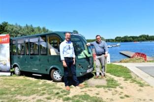 Elektrisch minibusje voor minder mobiele mensen in Gavers