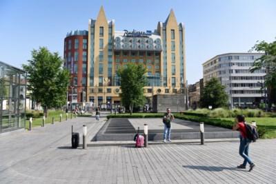 """Hotels in Antwerpen zien boekingen niet stijgen met start grote vakantie: """"De angst om te reizen regeert nog steeds"""""""