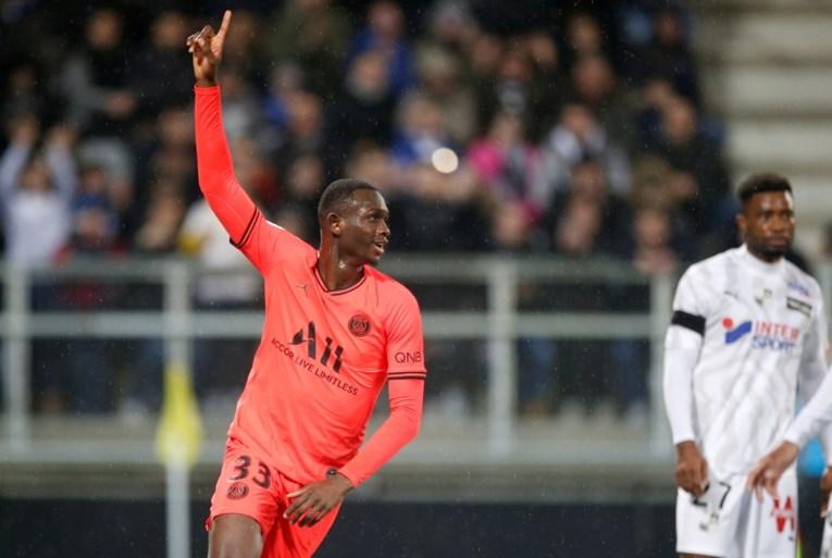 Bayern slaat dubbelslag: Leroy Sané komt (eindelijk) naar München, PSG-trainer hekelt vertrek Frans toptalent