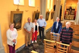 """Vrijwilligers geven kerk haar oorspronkelijke kruisweg terug: """"Vader heeft er tot de laatste dagen van zijn leven over gepraat"""""""