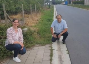 Wijk met spelende kinderen krijgt eindelijk voetpaden (na bouwverlof)