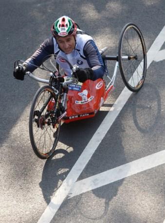 """Handbiker Alessandro Zanardi ondergaat tweede hersenoperatie na ongeval: """"Stabiel maar kritiek"""""""