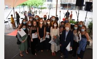 Zesdejaars Rozenberg sluiten schooljaar af met alternatieve proclamatie
