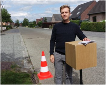 """Bram wil snelheidsduivels weren uit zijn straat: """"Dat hoeft niet veel te kosten, zolang het autostradegevoel maar verdwijnt"""""""