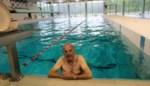 """Willy is de eerste zwemmer in Brasschaat: """"Vanaf nu weer twee keer per dag"""""""