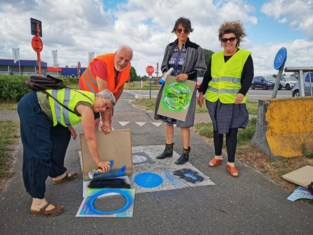 Kunstenaars laten spoor van insecten achter op jaagpad Zenne