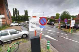 """Hasselt sluit twee gratis parkings """"op rustige wijze"""""""
