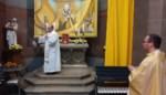 """Tweehonderd gelovigen zien hoe relikwie Johannes Paulus II officieel wordt ingehuldigd: """"Hij heeft als paus enorm veel gedaan voor de mensheid"""""""