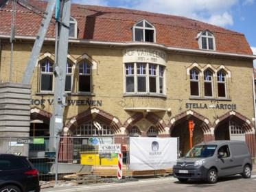"""Bedreigde Hof Van Weenen behoudt historisch uitzicht én handelszaak: """"Misschien komt er weer café"""""""